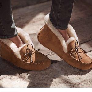 Ugg Alena slipper, BRAND NEW